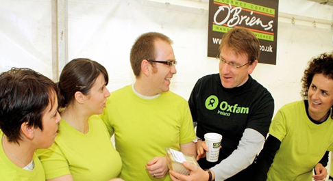 JIM CLARKEN WITH O'BRIENS STAFF MEMBERS
