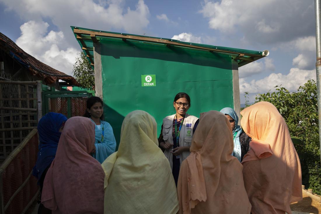 Oxfam staff hears Rohingya refugee opinions on new latrines