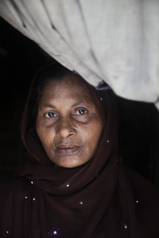 rohingya refugee at her shelter